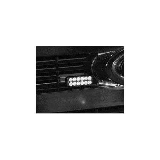 8891702 Strobe on Grill Application 3.